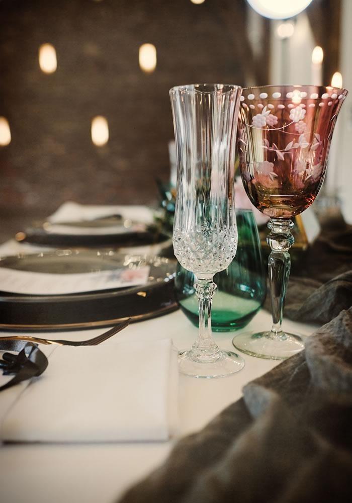 Τα πιάτα και τα ποτήρια