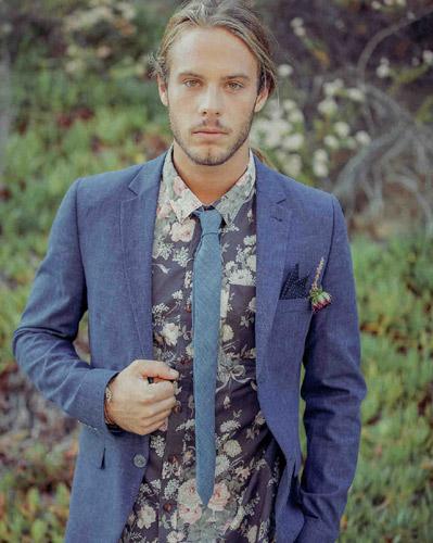 Το floral πουκάμισο