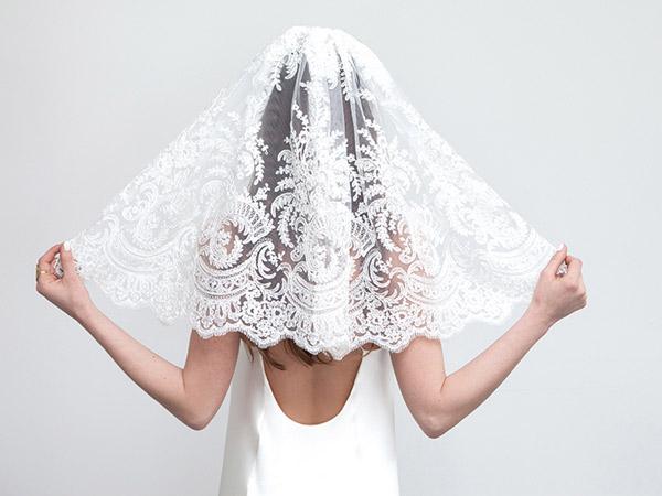 9292f7ba541 Τα πιο όμορφα πέπλα γάμου για το 2018