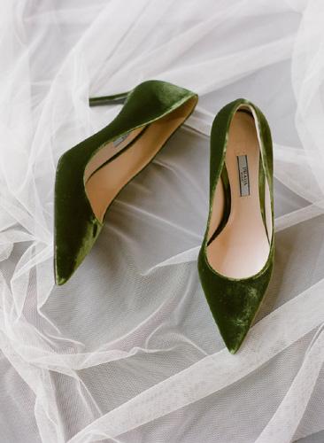 Στα νυφικά παπούτσια