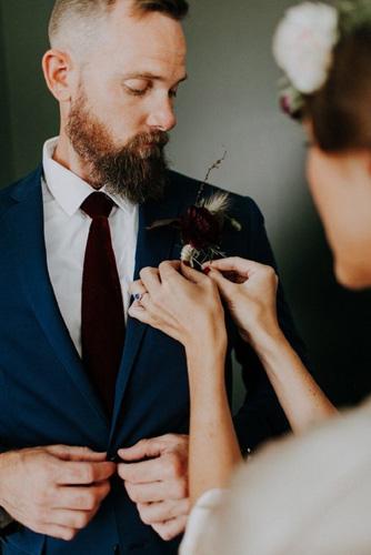 Στη γραβάτα