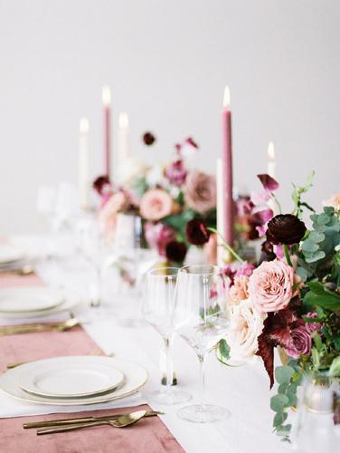 Ροζ-μοβ κεριά
