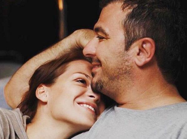 a486b1c9d405 Ο ονειρικός γάμος του Αντώνη Ρέμου με την Υβόννη Μπόσνιακ