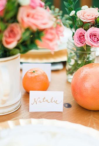 Φωτεινά πορτοκάλια και grapefruits