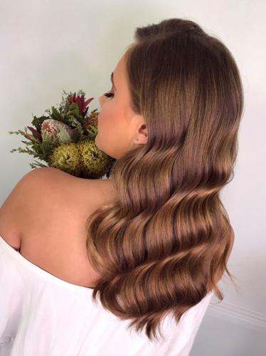 Κλασικά κυματιστά μαλλιά