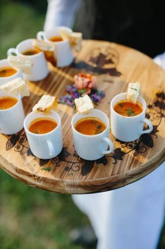 Μίνι σαντουιτσάκια και ντοματόσουπα