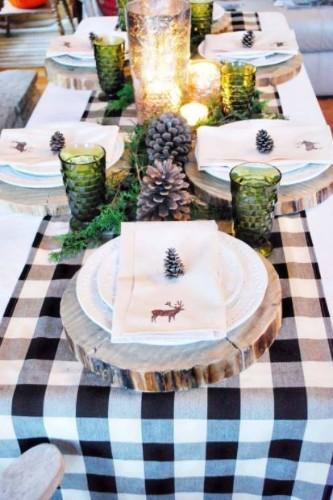 Στολίστε το τραπέζι σας με ένα centerpiece με κουκουνάρια