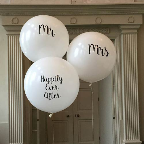 Ειδικά διαμορφωμένα μπαλόνια γάμου.