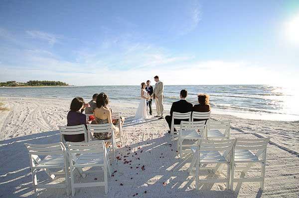 Μικρός γάμος στην παραλία