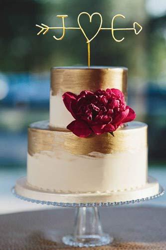 Topper γαμήλιας τούρτας.