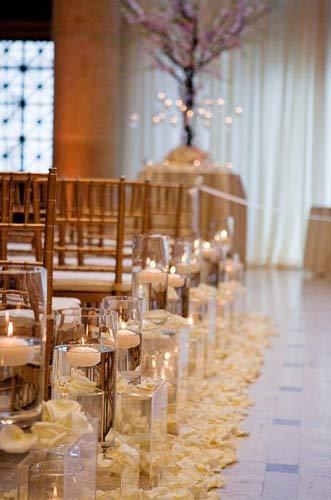 Διακόσμηση γάμου με κεριά.