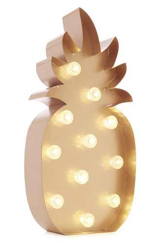 Φωτάκι – ανανάς.