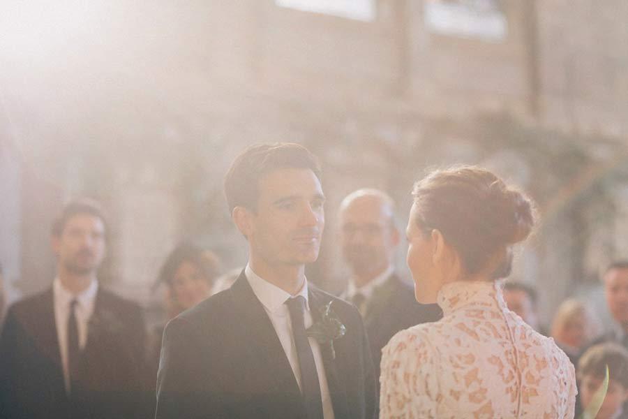 901c8224f605 Βελούδινα αξεσουάρ για έναν χειμωνιάτικο γάμο