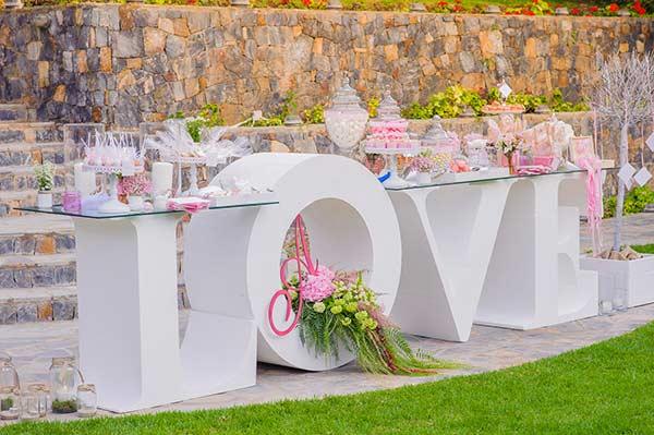Τραπέζι ευχών LOVE.