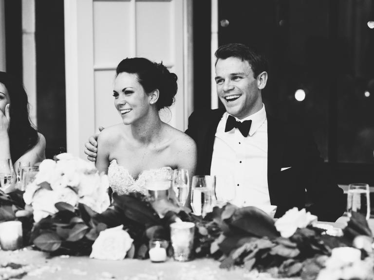 Το ζευγάρι στη γαμήλια δεξίωση.