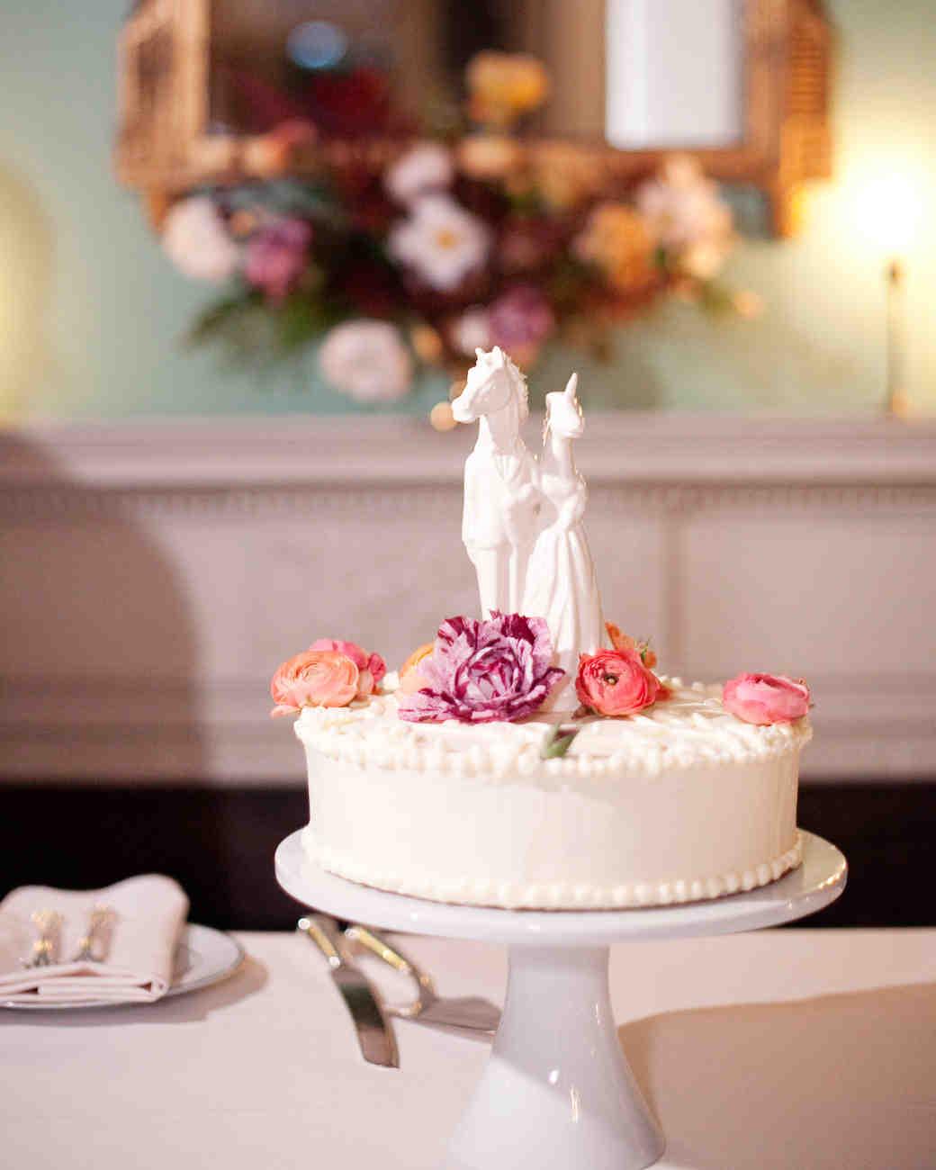 Boho-chic topper για τη γαμήλια τούρτα.